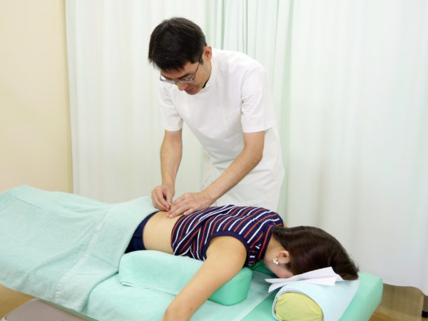 鍼灸施術風景2